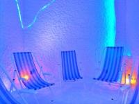Галотерапия - эффективный метод лечения заболеваний органов дыхания в условиях искусственно моделируемого микроклимата, характерного для подземных соляных пещер природного происхождения. В основе этого метода лечения лежит насыщение специально оборудованных помещений сухим высокодисперсным солевым аэрозолем определенной концентрации, который получается с помощью галогенератора